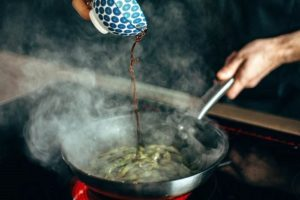 6 Best Cookware For Electric Stove [A Buying Guide 2021]